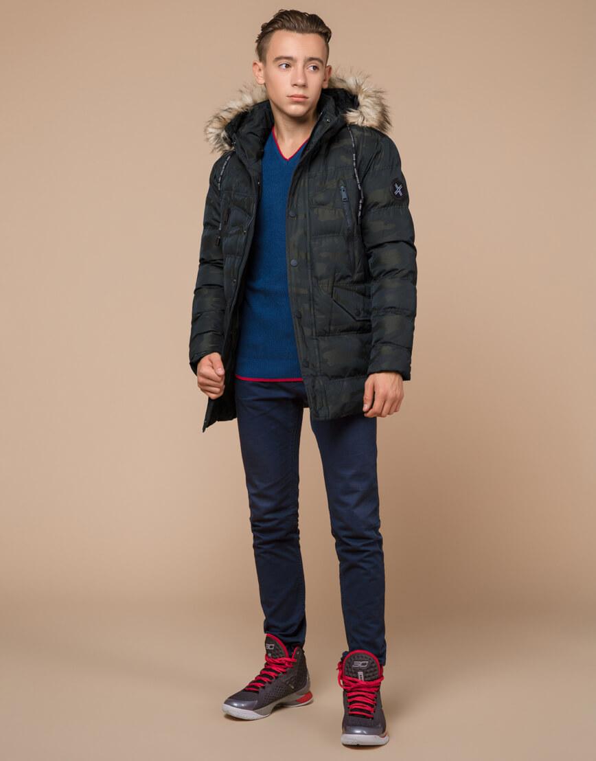 Стильная дизайнерская темно-зеленая молодежная куртка модель 25450 фото 1