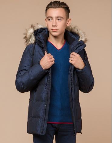 Дизайнерская зимняя куртка темно-синяя комфортная модель 25510
