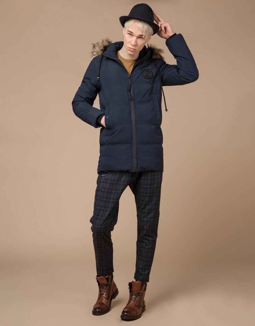 Синяя куртка зимняя удобного фасона модель 25550 фото 2