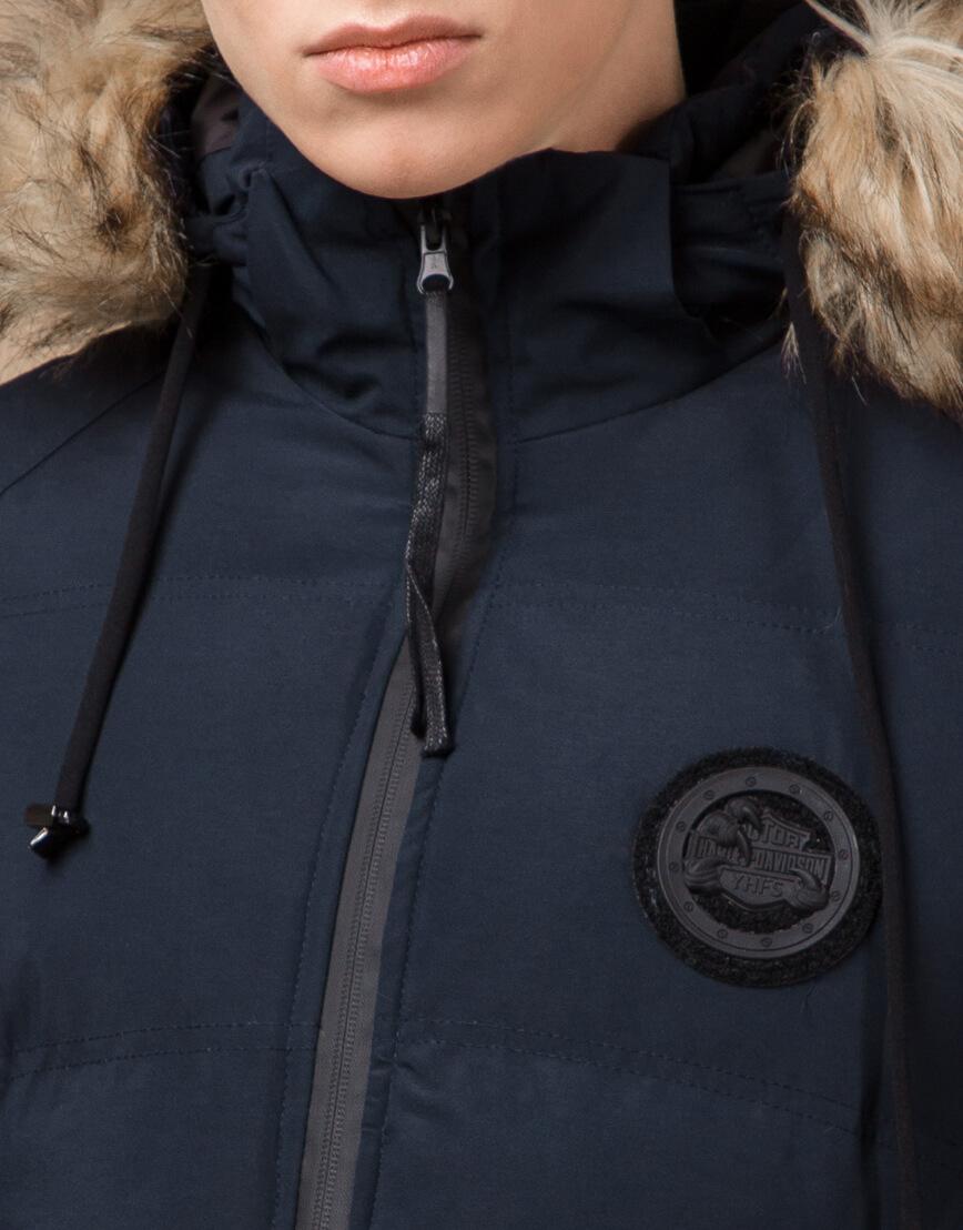 Синяя куртка зимняя удобного фасона модель 25550 фото 5