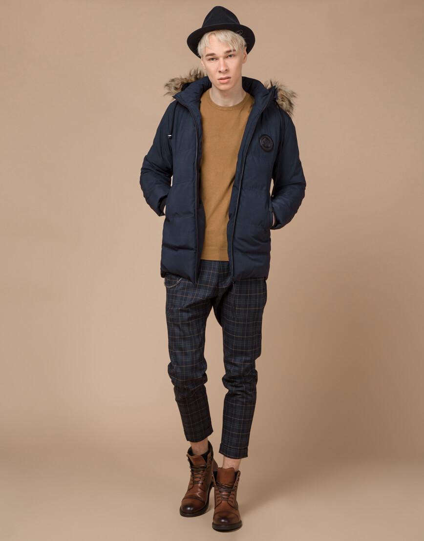 Синяя куртка зимняя удобного фасона модель 25550 фото 3