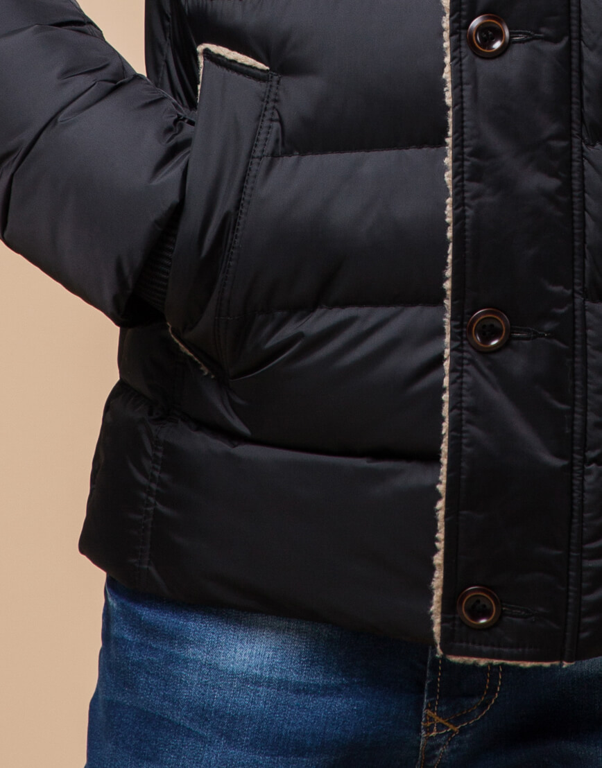 Черная качественная куртка с капюшоном модель 20849 фото 5