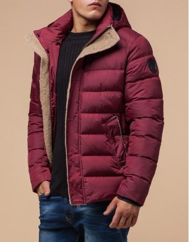 Бордовая практичная куртка с карманами модель 20849