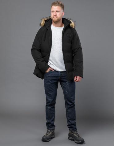Черная куртка зимняя комфортная модель 55825 оптом
