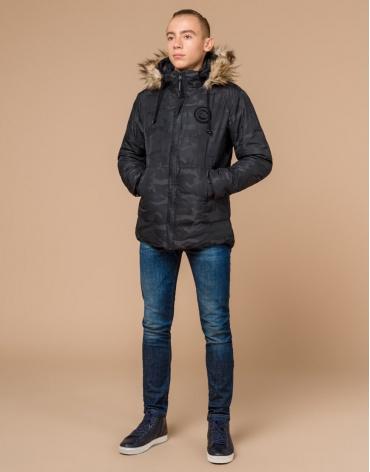 Черная практичная дизайнерская куртка подростковая модель 25310 фото 1