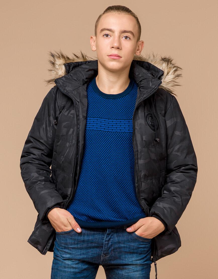 Черная практичная дизайнерская куртка подростковая модель 25310 фото 3