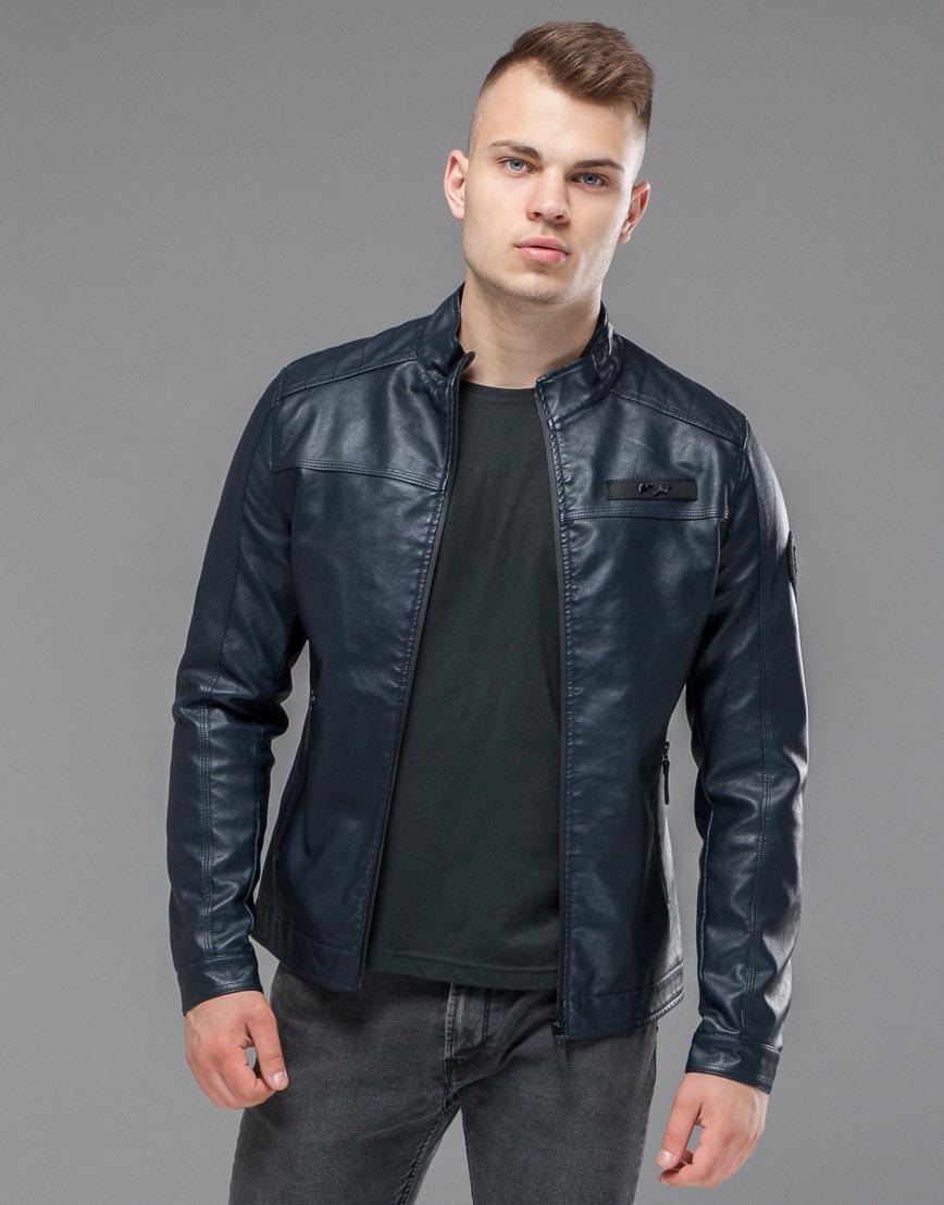 Темно-синяя демисезонная куртка модель 25825 оптом