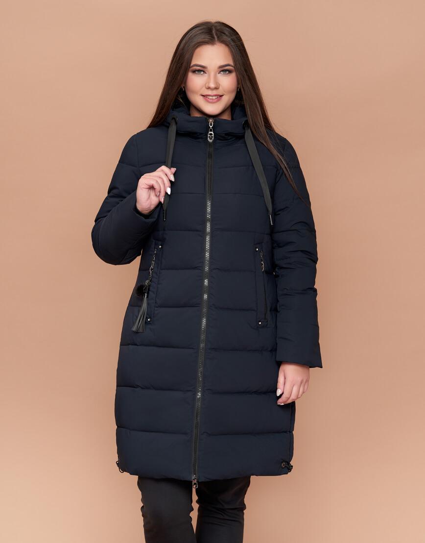 Темно-синяя удобная теплая куртка женская модель 25045