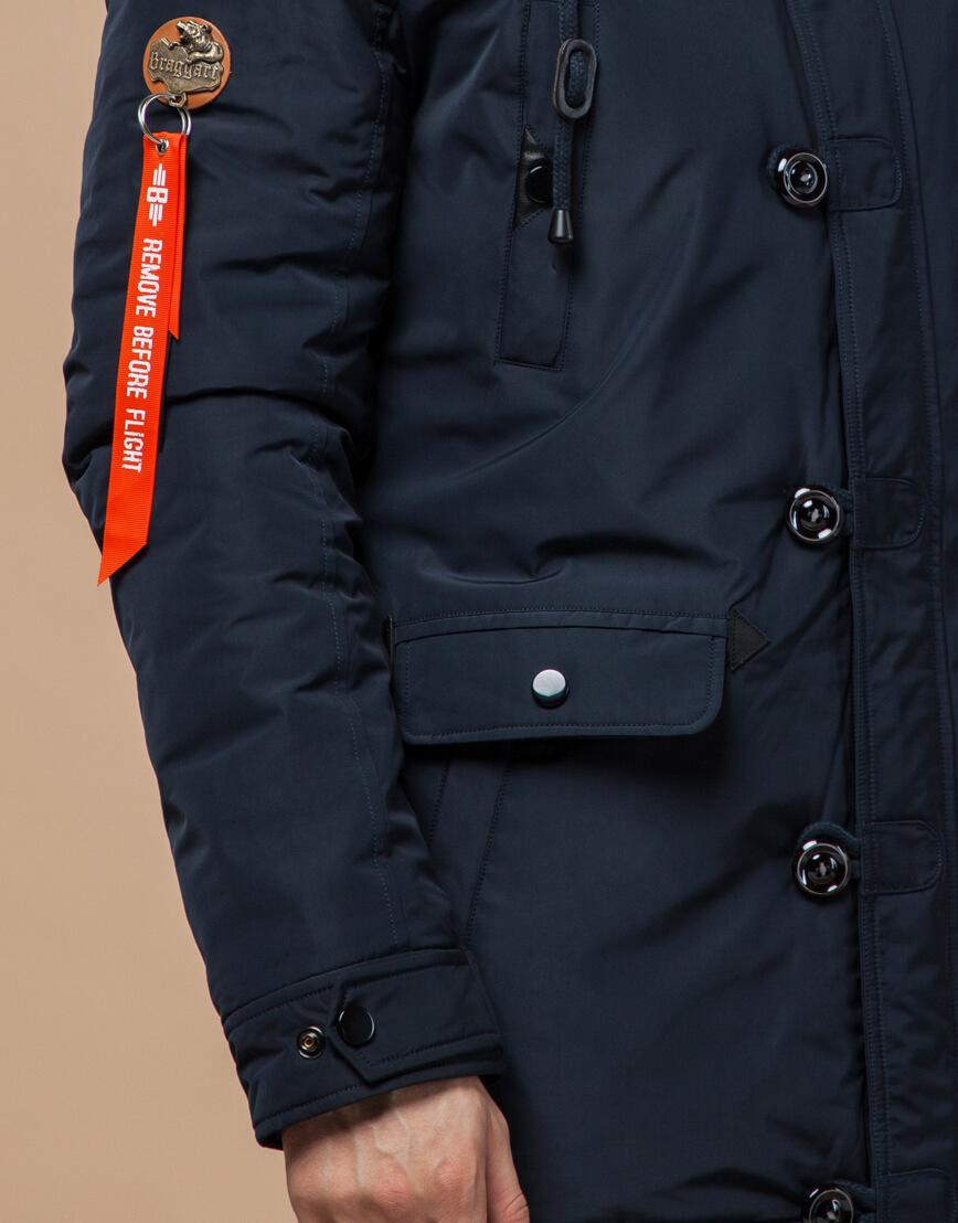 Темно-синяя зимняя парка с опушкой модель 2935