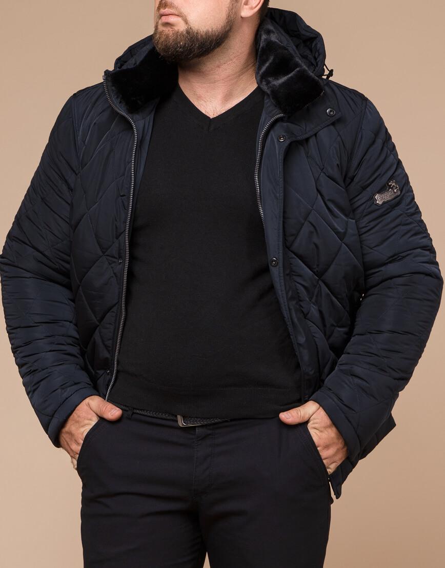 Темно-синяя зимняя куртка с капюшоном модель 19121 фото 2
