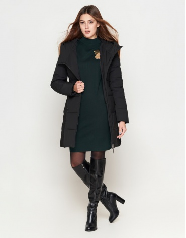Женская оригинальная зимняя куртка черная модель 25395