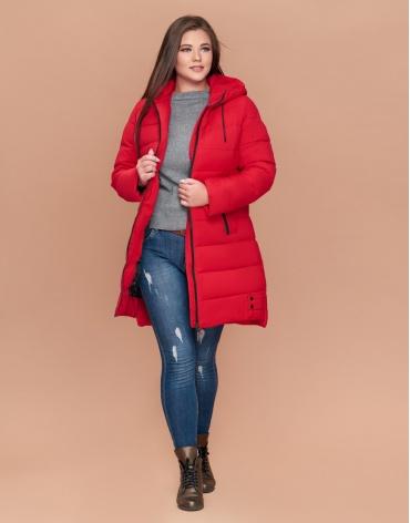 Красная женская куртка большого размера фирменная модель 25225