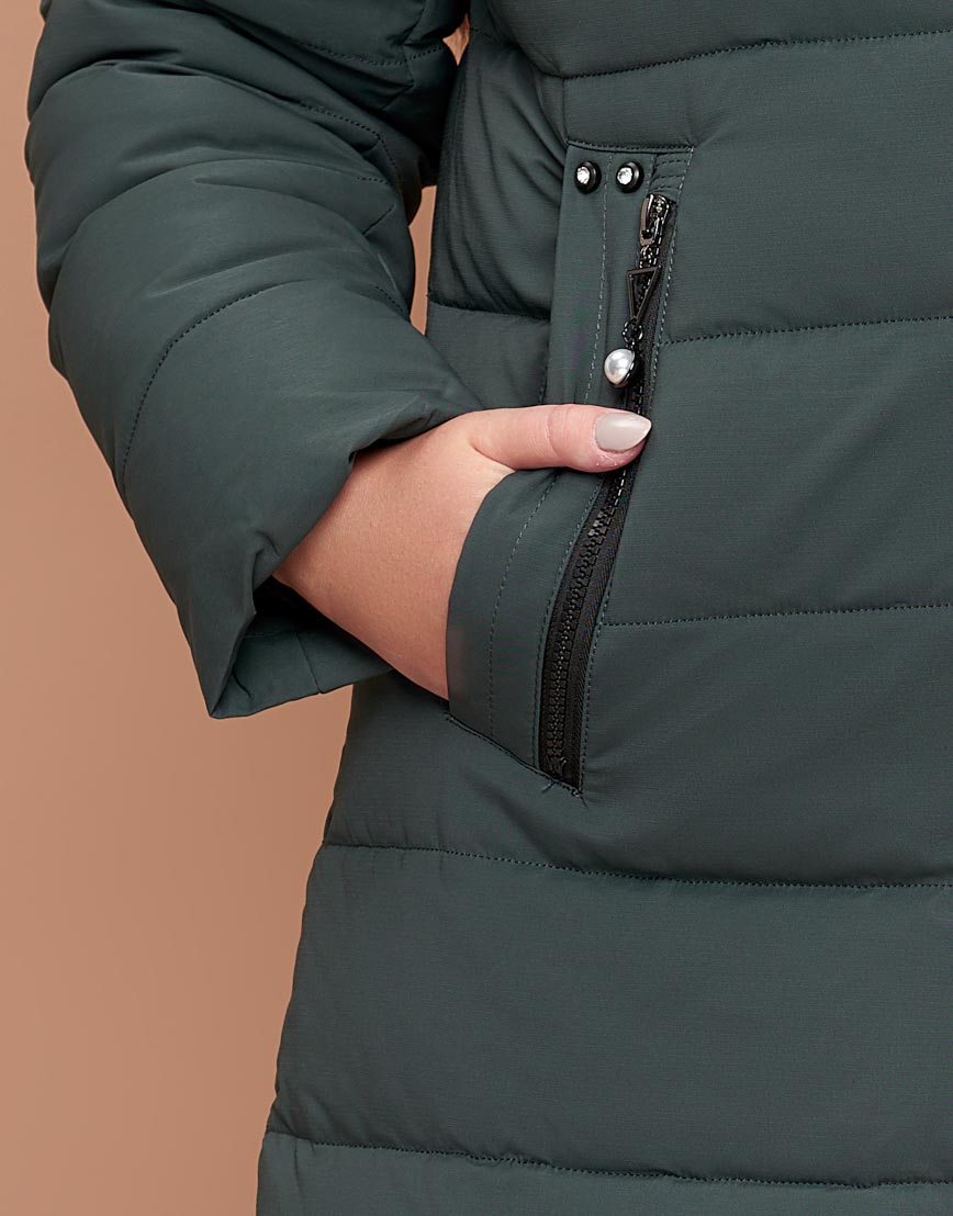 Серо-зеленая женская куртка трендовая большого размера модель 25225