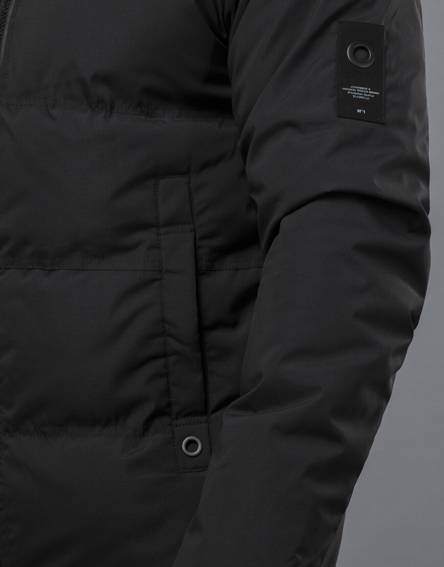 Черная куртка модная зимняя модель 70911 фото 6