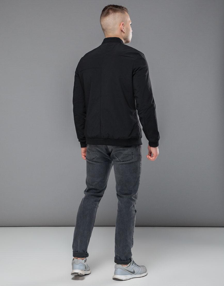 Практичная черная мужская куртка бомбер модель 32488 фото 4