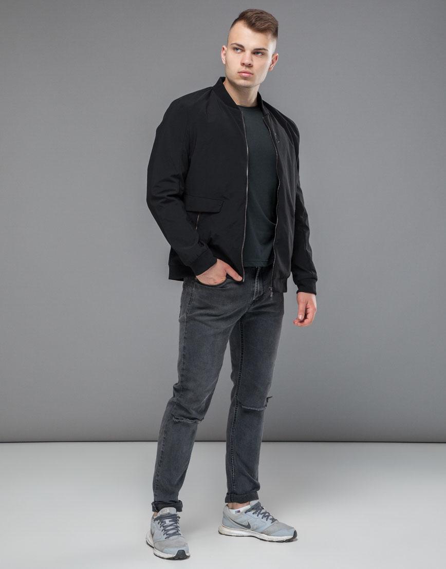 Практичная черная мужская куртка бомбер модель 32488 фото 1