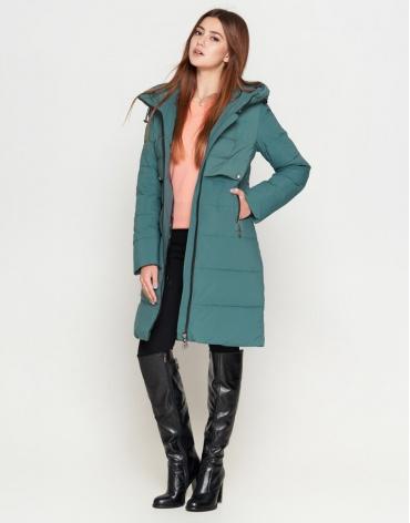 Зеленая куртка женская с карманами модель 25465