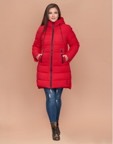 Красная женская зимняя куртка большого размера модель 25225
