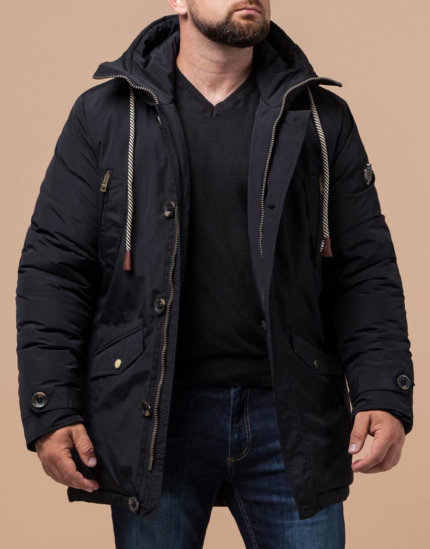 Парка черного цвета зимняя для мужчин модель 45950 оптом