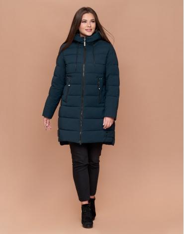 Стильная темно-зеленая зимняя женская куртка большого размера модель 25225