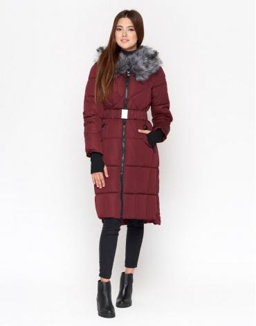 Бордовая куртка практичная женская модель 18013