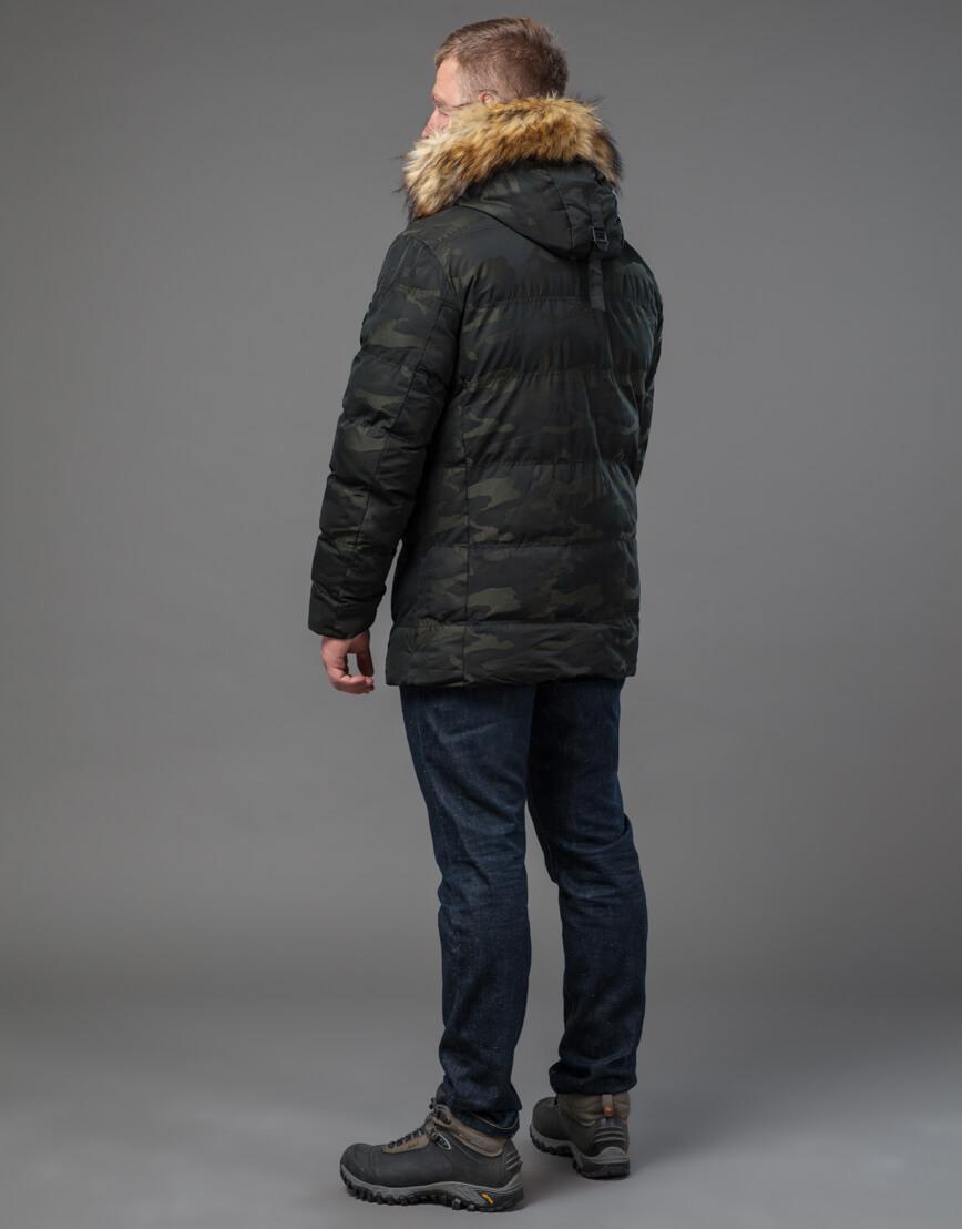 Дизайнерская темно-зеленая куртка на зиму модель 76029 оптом фото 4