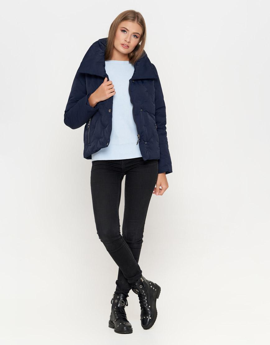 Синяя женская куртка короткая модель 25062 фото 3