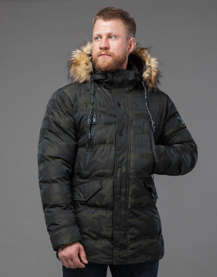 Дизайнерская темно-зеленая куртка на зиму модель 76029 оптом фото 2