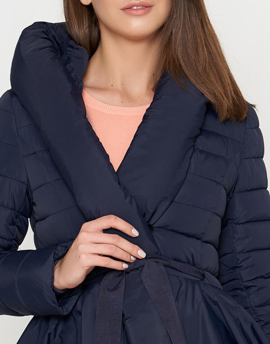 Оригинальная женская куртка синего цвета модель 25755 фото 4