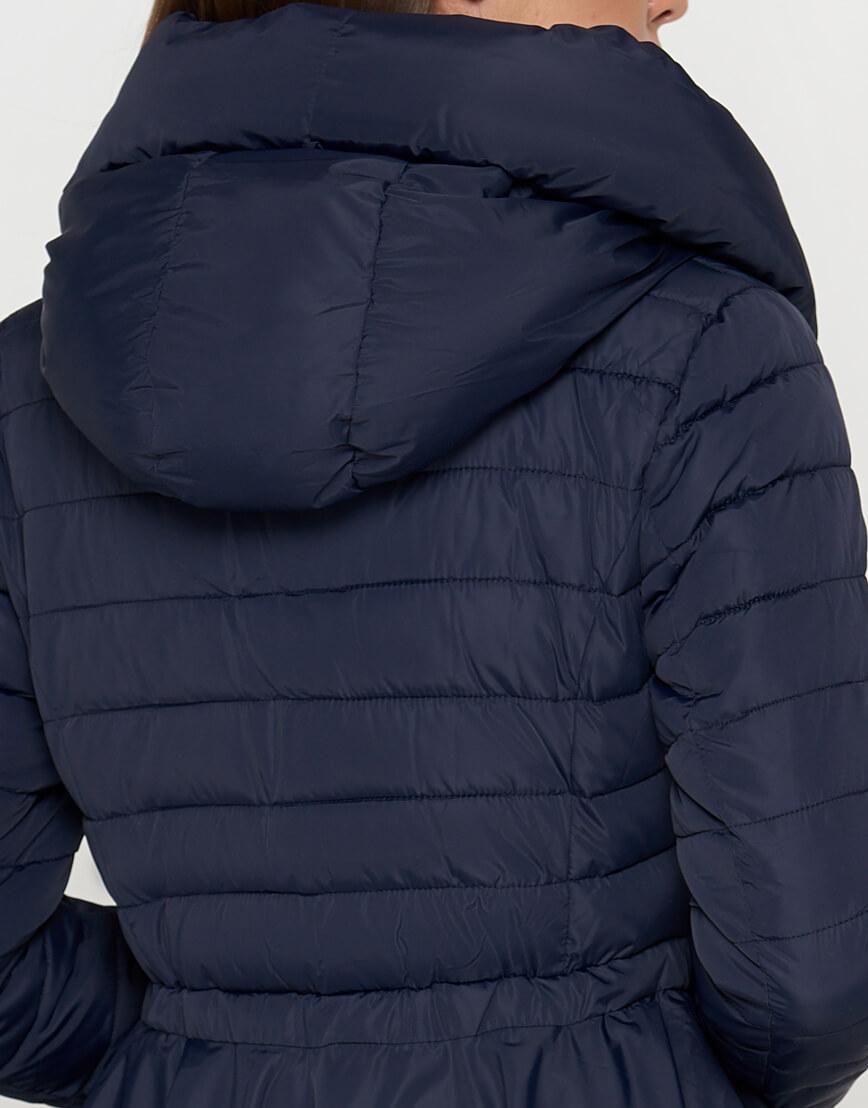 Оригинальная женская куртка синего цвета модель 25755 фото 5