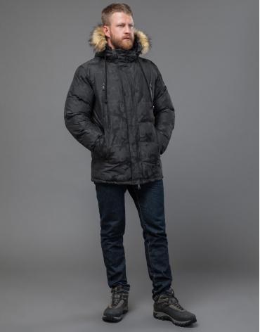 Куртка темно-серого цвета на зиму дизайнерская модель 71368 оптом
