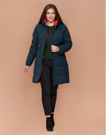 Трендовая зимняя темно-зеленая женская куртка большого размера модель 25175