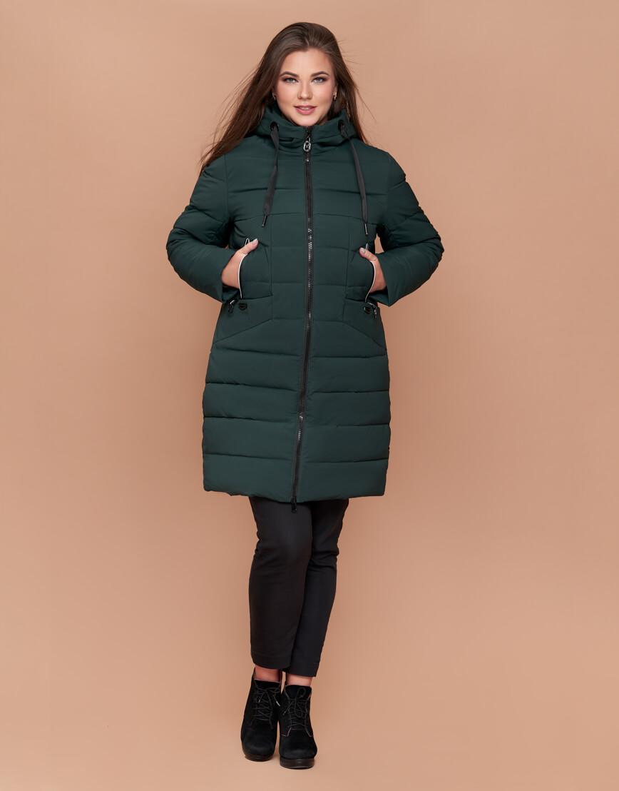 Темно-зеленая зимняя женская куртка большого размера на молнии модель 25275