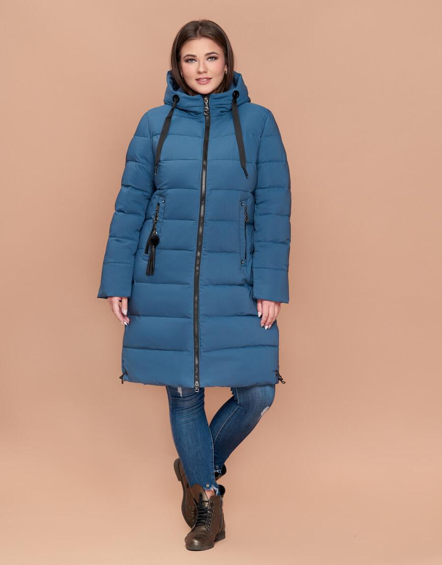 Зимняя куртка большого размера женская темно-голубая с капюшоном модель 25045