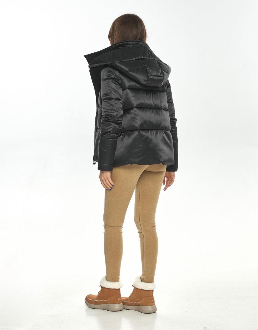 Чёрная короткая куртка женская Ajento комфортная 23952 фото 3