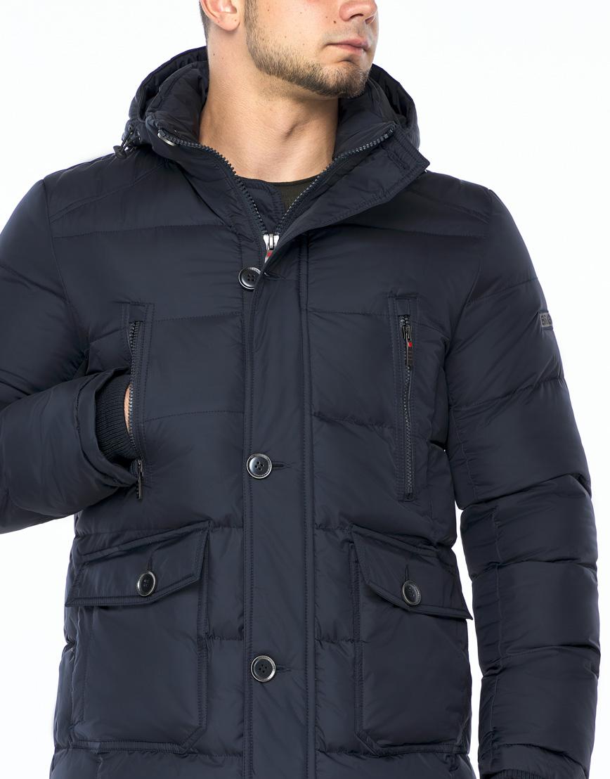 Темно-синяя куртка зимняя удобного фасона модель 24750 фото 5