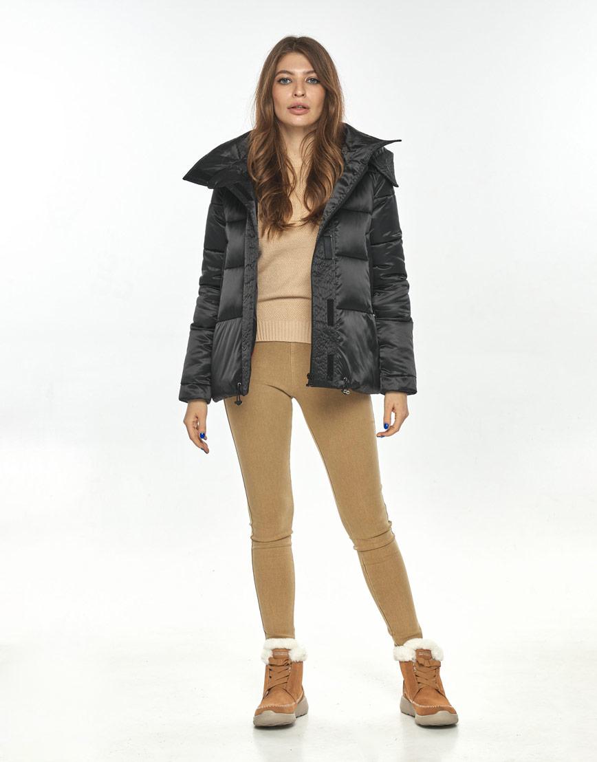Чёрная короткая куртка женская Ajento комфортная 23952 фото 2