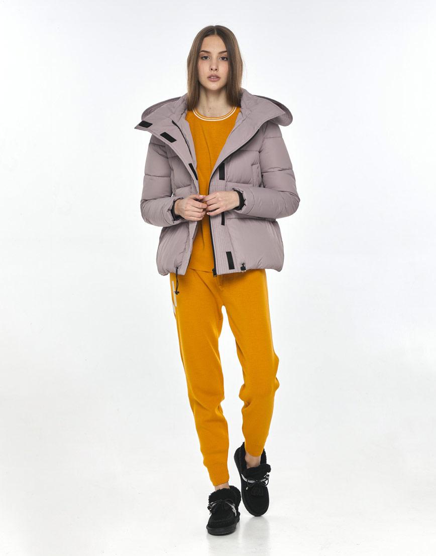 Осенняя женская практичная куртка Vivacana пудровая 9742/21 фото 2