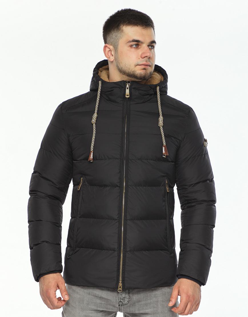 Черная зимняя куртка мужская модель 35048 оптом