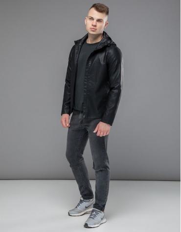 Короткая осенне-весенняя куртка черная модель 15353