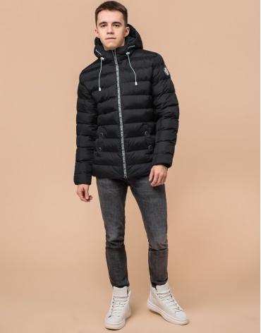 Комфортная черная подростковая куртка на зиму модель 76025 оптом
