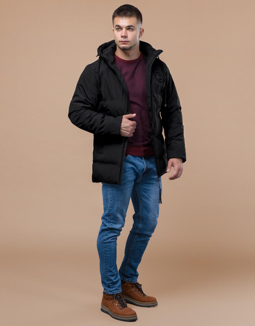 Зимняя черная куртка удобного фасона модель 25440