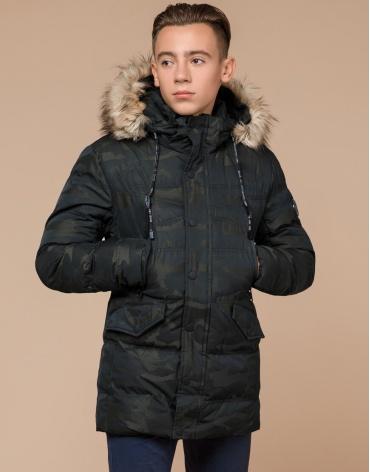 Дизайнерская темно-зеленая куртка зимняя модель 25450